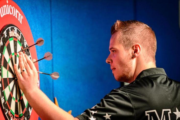 Max Hopp: 18-jähriges Darts-Genie ist Deutschlands Hoffnung http://on.welt.de/1CNtyr7