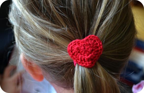 Crochet Hair Ties Pinterest : Crochet Heart Hair Tie Crochet with Hearts