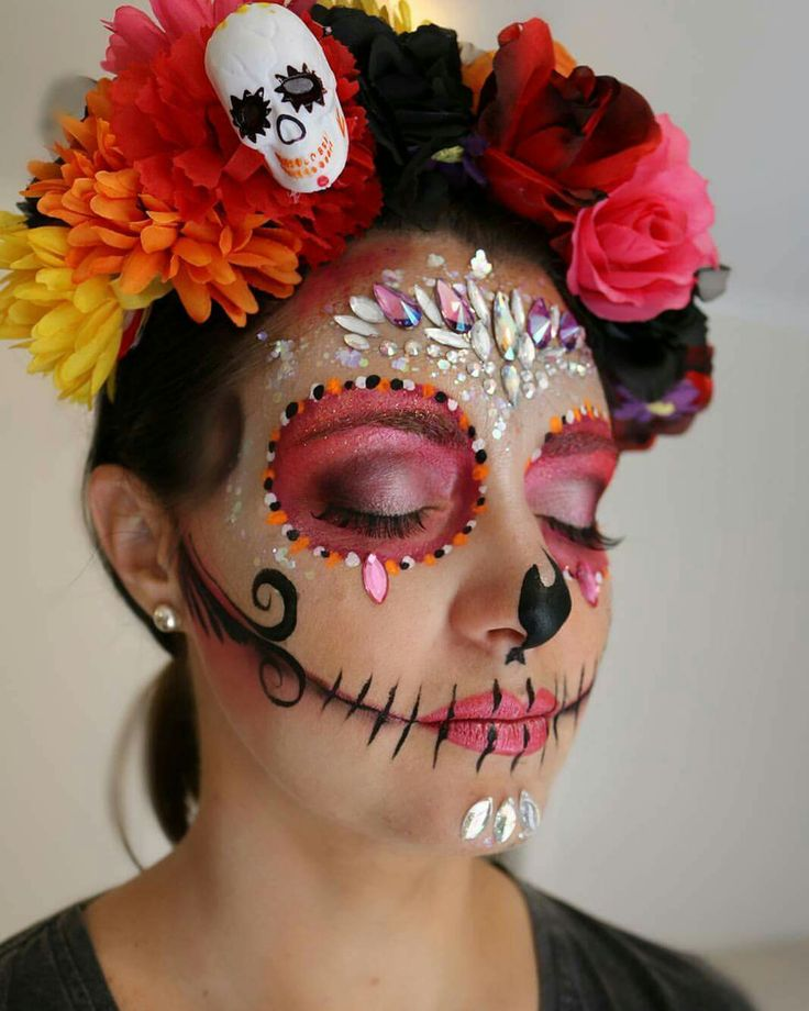 Beautiful make-up of the Catrina. For The day of The dead tradition party. Try It SLVH ♥♥♥♥