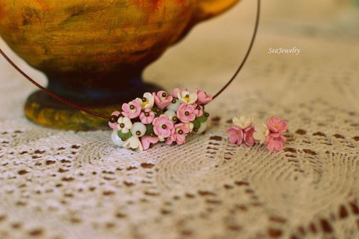 Flori. (40 LEI la SeaJewelry.breslo.ro)