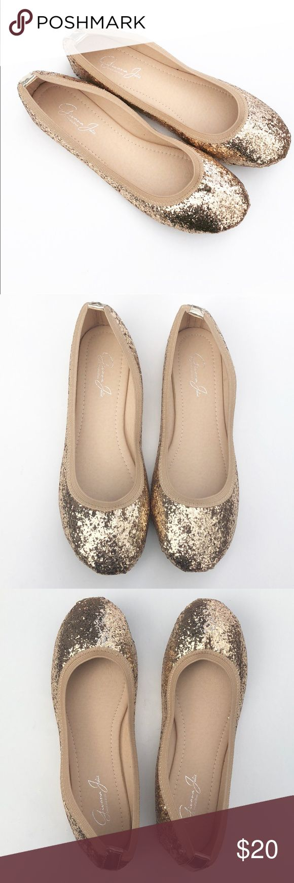 Like New Glitter Gold Ballet Flats These stunning shoes were worn once no noticeable flaws on top. Wear only visible on bottom sole. Clean inside. These are very attractive shoes. Givana Jolie Shoes Flats & Loafers