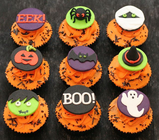 halloween cupcake toppers by Hannah Loves Cake, via Flickr