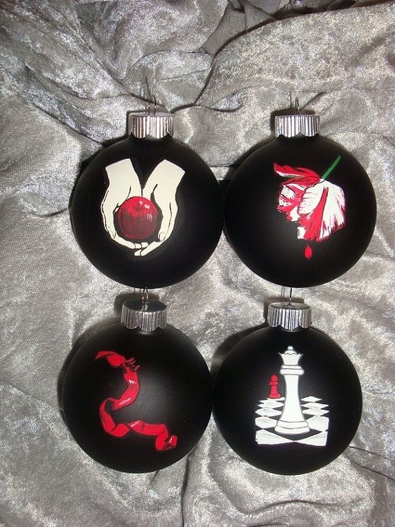 $35 .Twilight Ornaments, inspired by the twilight saga book covers - Black  & White and Red (Read all over) lol lol
