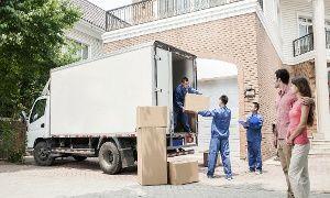 Groupon - 2h de déménagement avec 3 hommes, camion, assurance et lift en option dès 79 € chez Service Lowcost à bruxelles. Prix Groupon : 79€