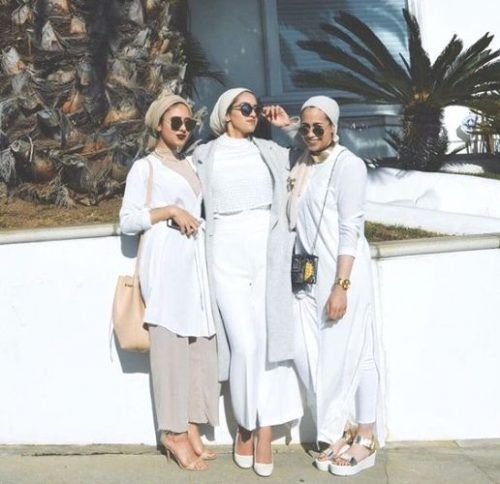 white neutral hijab- Summer hijab trends http://www.justtrendygirls.com/summer-hijab-trends/