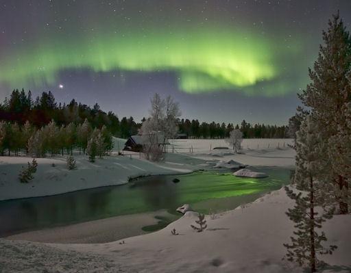 amazing aurora image by Alex Keen, Inari, Finland , via spaceweather.com pic.twitter.com/mxooDpLn @La_Lena_