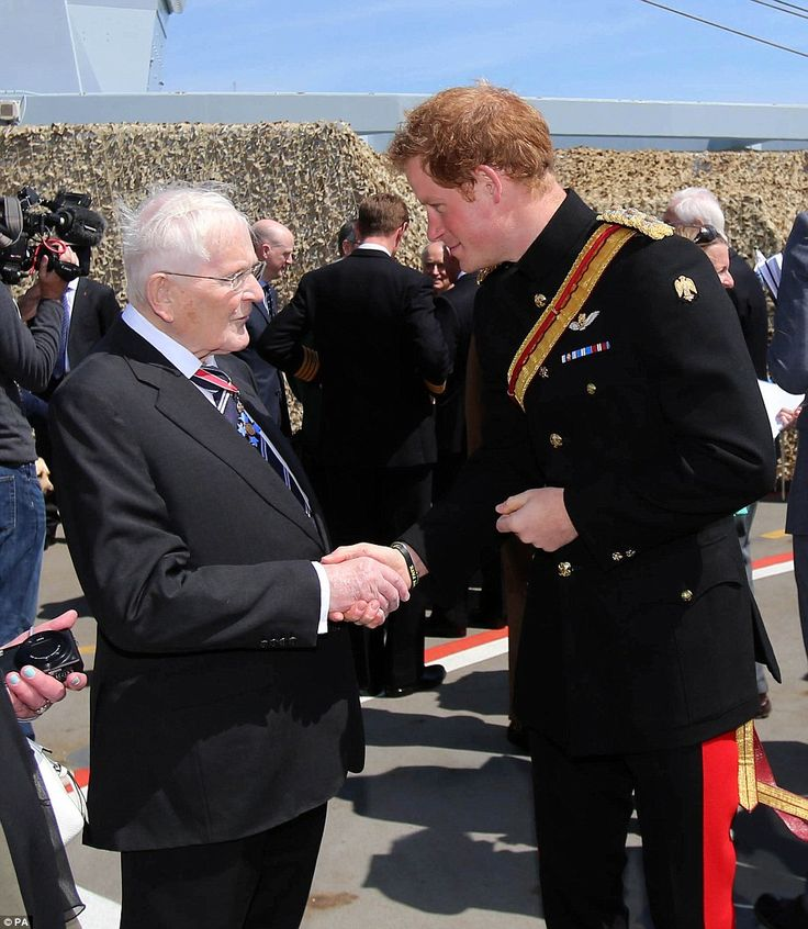 In the lead up to the Gallipoli landing, the royals met on the flight deck of the Royal Navy's flagship HMS Bulwark in Turkey's Dardanelles straits, the same crucial waters that the Allies in the First World War hoped to control