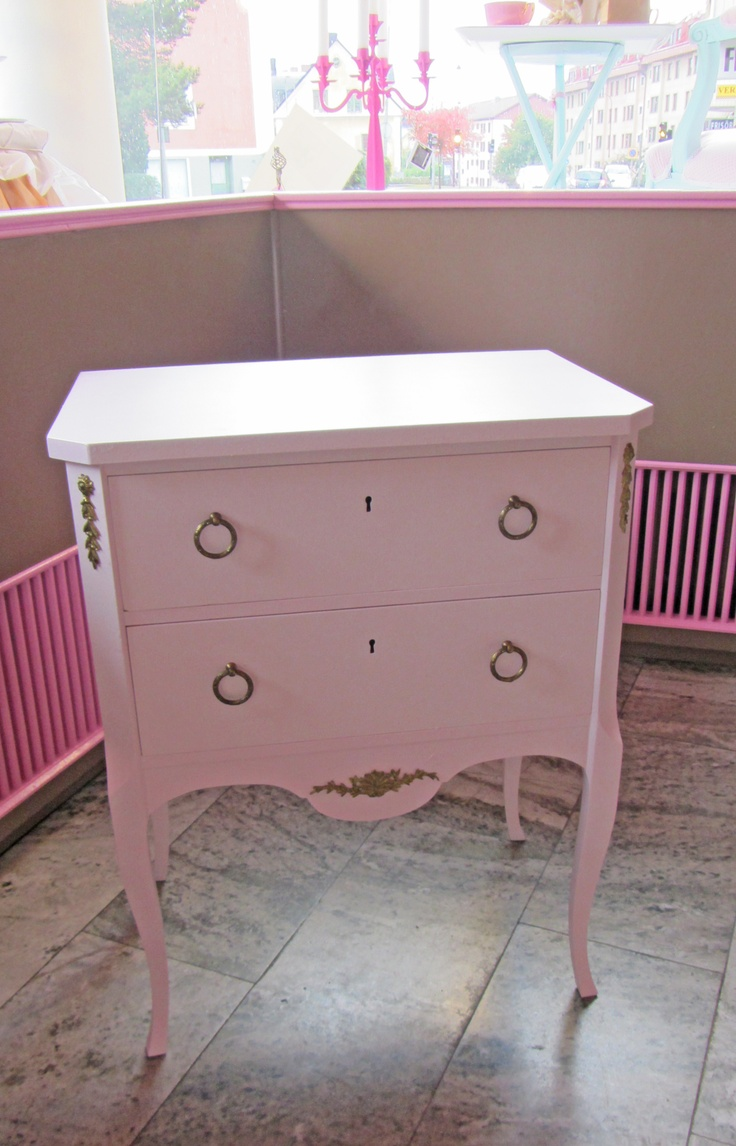 Refurnished small dresser, the surface was all scratched up and not salvageable. So gave it a new coat of paint, so cute!