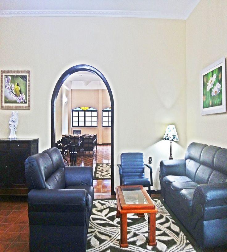Recepção do hotel real,com Wi-fi de graça,assim você pode tirar uma foto e enviar para o pinterest.  http://hotelrealsaolourenco.com.br/