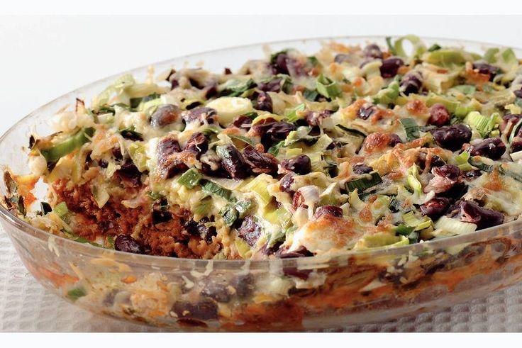 Kijk wat een lekker recept ik heb gevonden op Allerhande! Mexicaanse schotel met prei en bonen