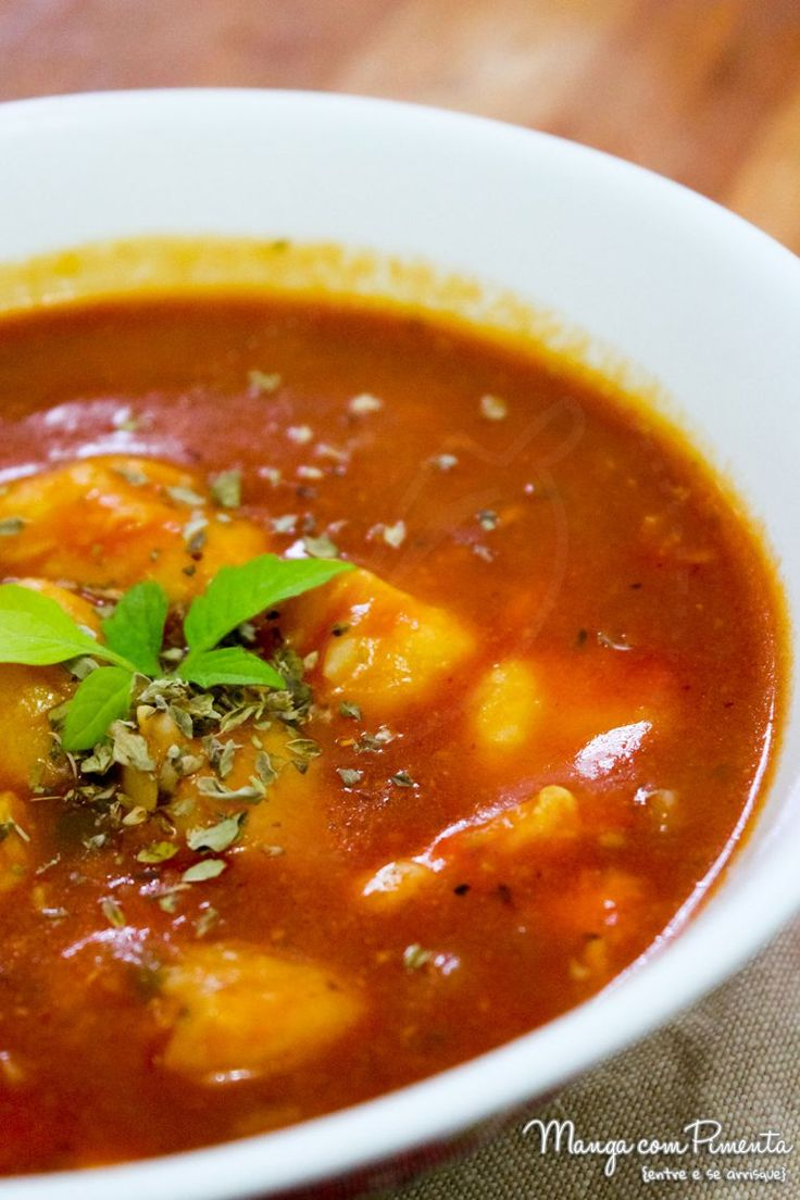 Sopa de Nhoque e Tomate