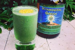 Jenipher Minnaar - Vitamineral Green Smoothie http://jenipherminnaar.com/2014/03/27/go-go-green-vitamineral-green-smoothie/
