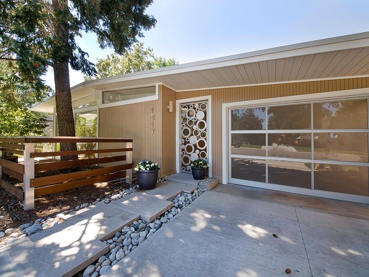 33 best palm springs ranch images on pinterest palm for Mid century modern garage