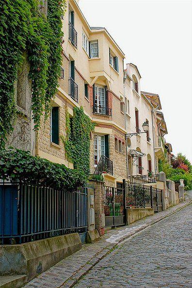 La rue Georges Braque, anciennement rue du Douanier, près du Parc Montsouris. Georges Braque a vécu ici.