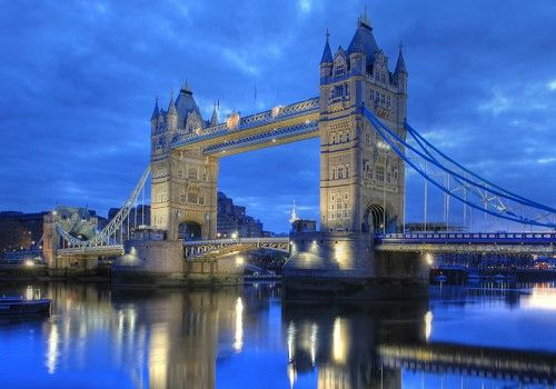 Tower Bridge, London (England)