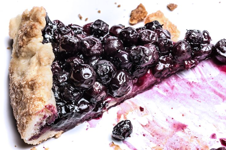 An easy tart recipe with fresh blueberries wrapped in a simple, buttery crust.