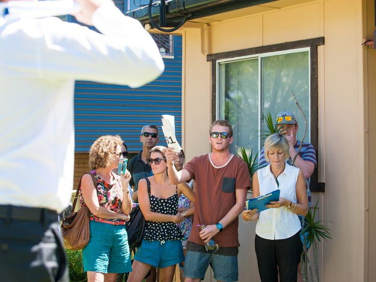 How to: Have a successful auction on a hot day #summer #tips #auction #property #realestate #Sydney http://ift.tt/2jsShMf
