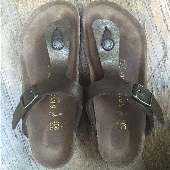 Birkenstock girls Birkenstock Ginza Golden Brown size 1-1.5 kids European size 32. Slightly worn. Tons of life left Birkenstock Shoes Sandals