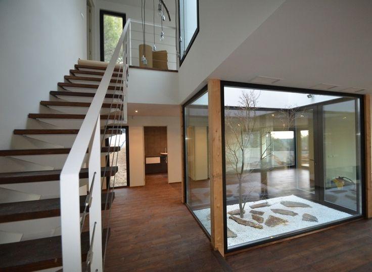 La casa que consume lo mismo que una bombilla #hogarhabitissimo #prefabricada