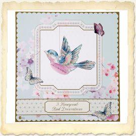 Deze sierlijke vogels met honeycomb buik zijn in het echt nét zo snoeperig als dat ze er op de foto uitzien. Fantastisch voor een bruiloft met een zoet thema, het kinderfeestje van je dochter of om gewoon zo op te hangen in je huis.