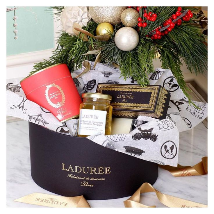 The perfect Ladurée Christmas box.