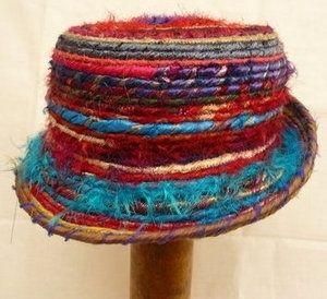 Divertenti modelli di cappelli in tessuto riciclato | Fettuccia Net BLOG