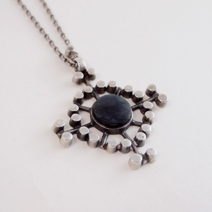 Jorma Laine for Kultateollisuus Ky  Geometric design silver and spectrolite stone vintage chain necklace, 1972. | Hopea
