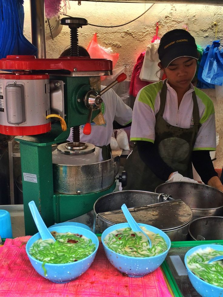 Best Asian dessert: Cendol  In Georgetown, Penang. Malaysia specialty  Foodie, travel, backpacking, southeast asia