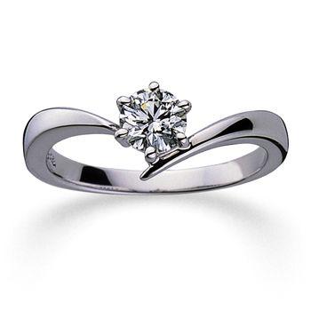 アームが描くアシンメトリーなラインが、指を美しくすっきりと見せるデザイン。 *エンゲージリング 婚約指輪・ミキモト一覧*
