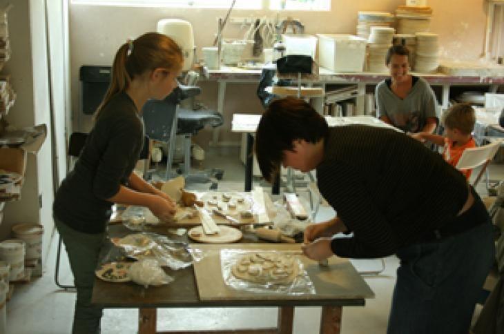 keramik kursus for børn og voksne christian Bruun leg med ler modelering for børn Christian Bruun kursus i modlelering for hele fammilien