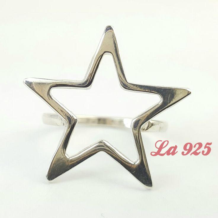 $250.00  Radiante anillo de estrella Plata ley 925 Talla 8 Pieza única