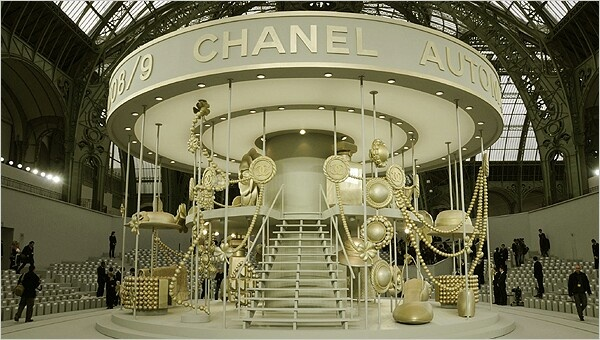 Chanel Fashion Show Sets The Art Of Mike Mignola