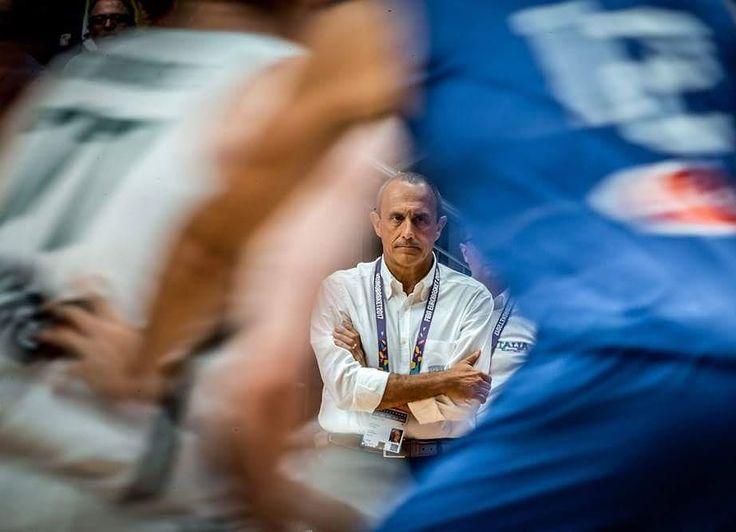 Η γοητευτική συγκυρία όπου ο φακός είναι σε μεγάλα κέφια....#italy #basketball #eurobasket2017 #gregfrag
