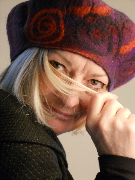 Hat beret with original colors and spirals felted wool by felteve, €45.00