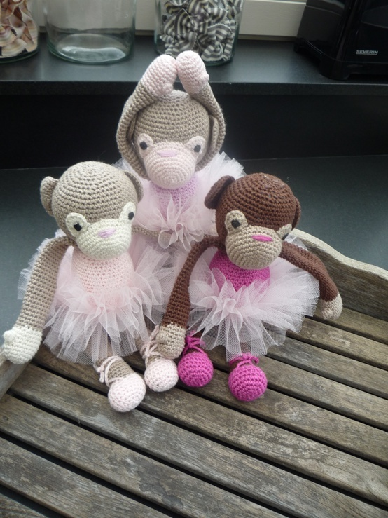 17 best images about soft toys on pinterest toy dogs for Schone babymobel