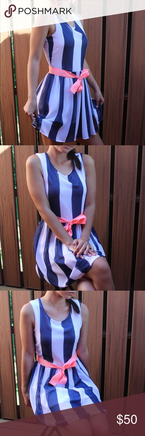 Striped Teen Party Dress! (ages 12-14) Striped blue and white party dress with pink bow in front. Zipper in back. Tommy Hilfiger, size L/G (12-14). Short dress, above the knee (model is 5 feet, 3 inches tall, 107 pounds). Light, great for the Spring and Summer. Lightly used. Tommy Hilfiger Dresses Formal
