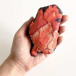 Stitch up an anatomically correct heart hand warmer. | 36 Completely Fucking Awesome DIY Projects