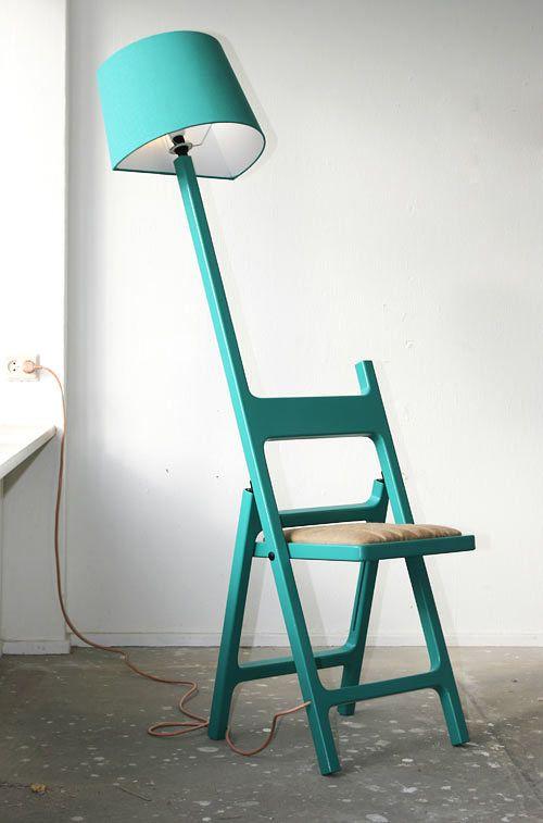 Sulankstoma kėdė ir šviestuvas viename.