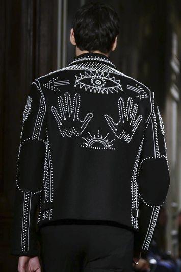 VALENTINO MENSWEAR | Valentino Menswear Fall Winter 2016 Paris CloseUp Details | www.bocadolobo.com/ #luxurybrands #luxurylifestyle #exclusive