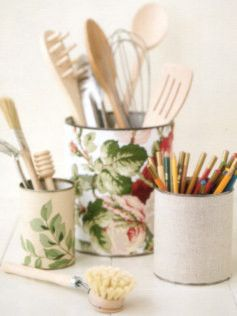 DIY: Fabric Covered Tins ~ very simple tutorial using recycled tins & fabric scraps #craft #tutorial