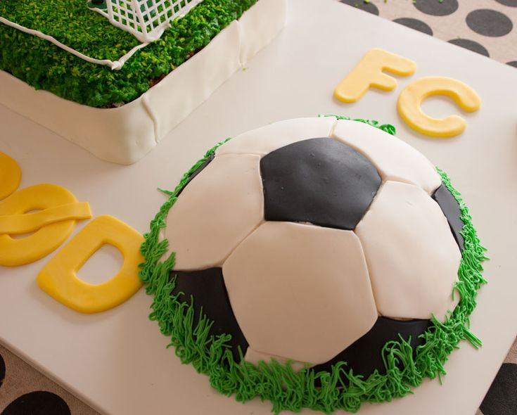 Football cake /Soccer cake in fondant