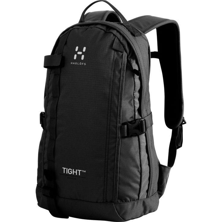 Haglöfs Tight XL är en ryggsäck skapad för att följa kroppens rörelser och sitta tight mot ryggen.