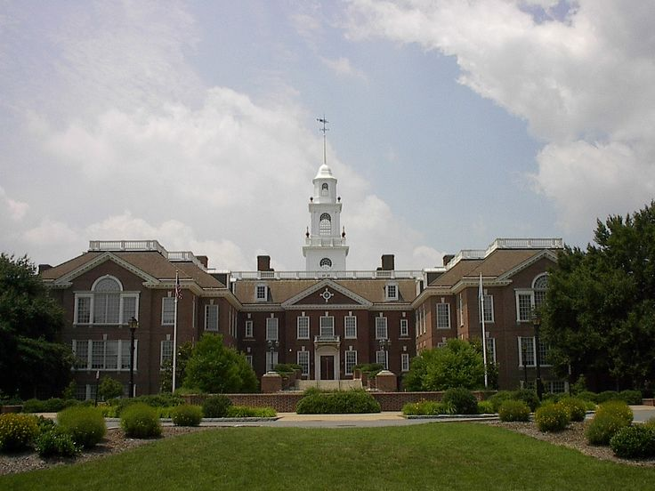 Does berea college require only SAT results or both SAT and toefl for admission?