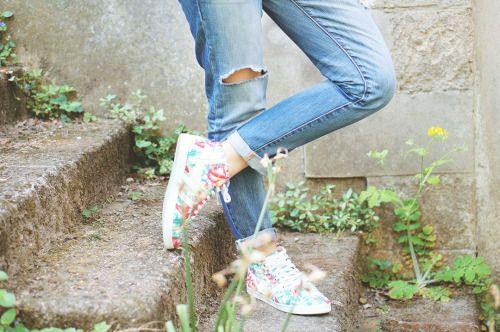 Les Gola Lily Hibiscus aux pieds de la blogueuse L'autruche Nantaise.
