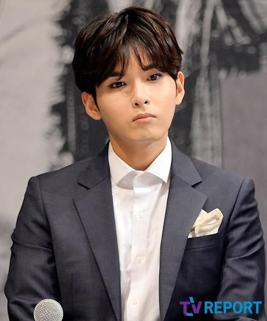 mamacita presconf - aug 28 '14 #ryeowook what's with that stare and pout?