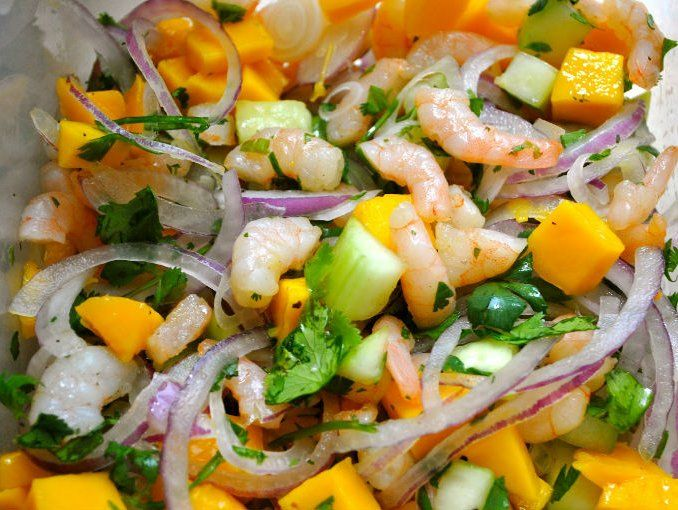 Ceviche de camarón con mango