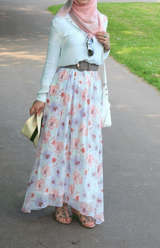 The latest 2016-17 Hijab fashion was much anticipated, and the styles and designs are gorgeous. The Muslim women are so aware of their needs; they are confident and are willing to experiment with their dresses, which makes the fashion all the more fun! You too can become that carefree, just watch the numeral tutorials online, …