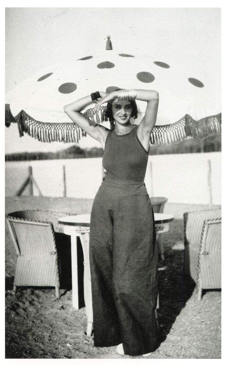 Jacques henri lartigue ren e piscine de la chambre d for Biarritz chambre d amour