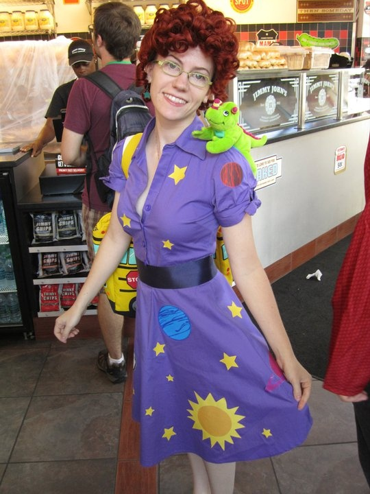 Mrs. Frizzle! awesome halloween costume idea!!