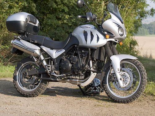 Triumph Tiger 955i (2004).